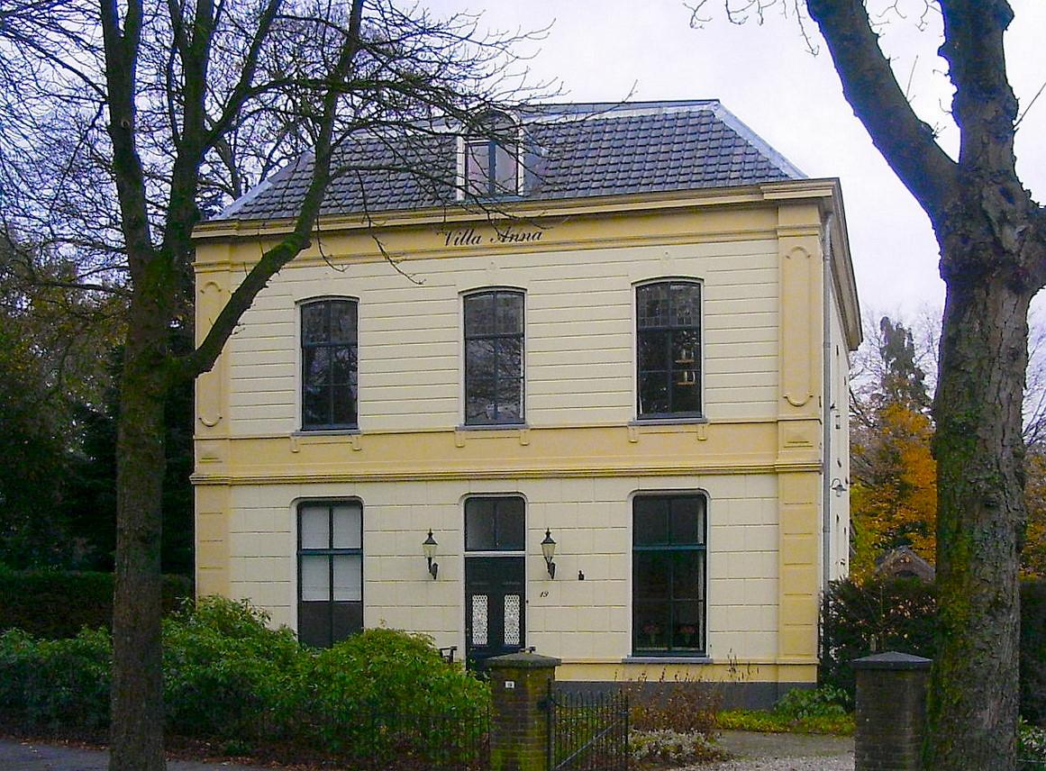 Villa Anna Renkum, bron Wikipedia